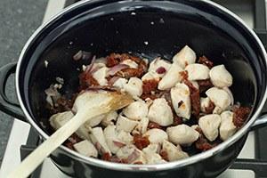 pasta-met-kip-zongedroogde-tomaatjes-en-spinazie-stap-1.jpg