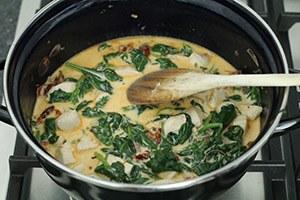 pasta-met-kip-zongedroogde-tomaatjes-en-spinazie-stap-2.jpg