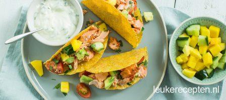 Taco's met zalm en mango