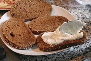 toast-met-ricotta-en-gegrilde-perzik-stap-3.jpg