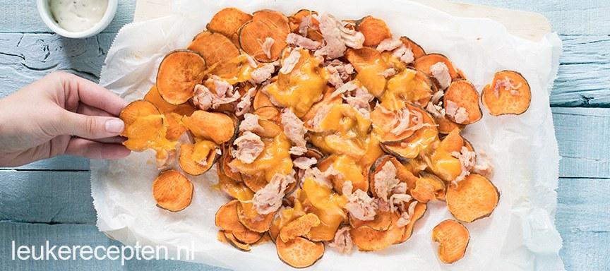 Zoete aardappel nacho's met chicken melt