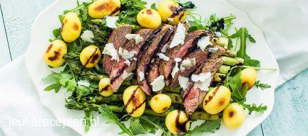 Salade met biefstuk en asperges