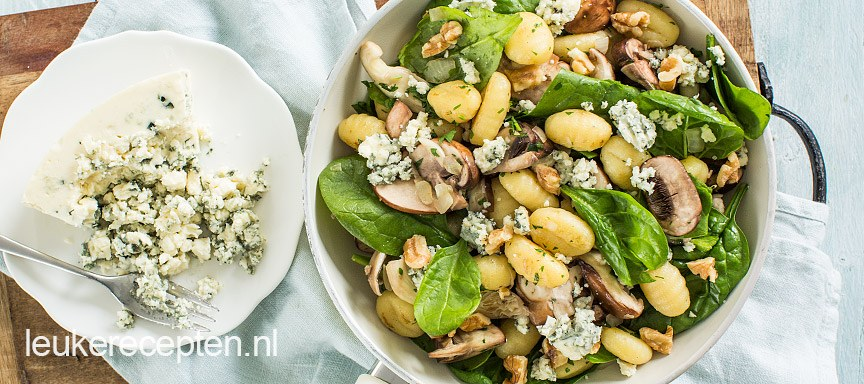 Gnocchi met blauwe kaas en paddenstoelen