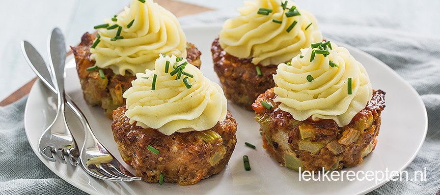 Mini gehaktbroodjes met aardappeltoef
