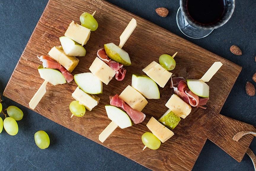 DIY hoe maak je een kaasplankje? www.leukerecepten.nl