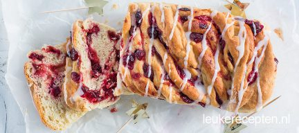 Kerst babka met cranberry