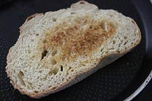 Toast_gepocheerd_ei_02.jpg