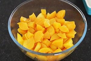 mango_crumble01.jpg