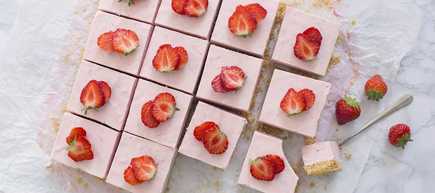 Aardbeien cheesecake bars