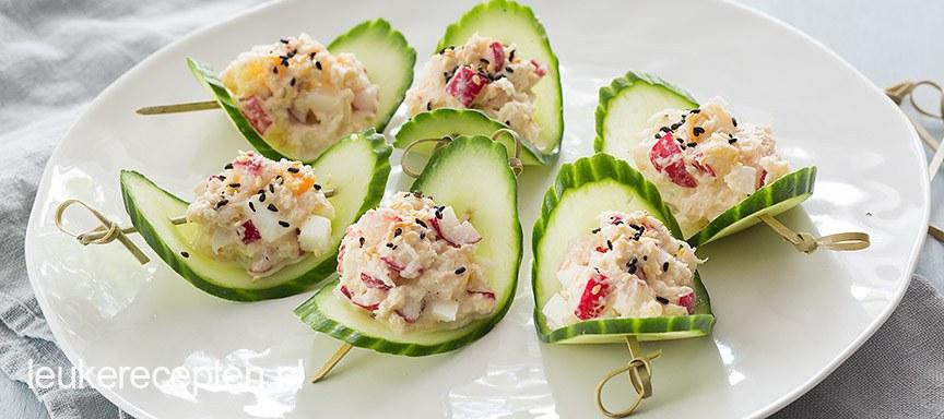 Komkommerschuitjes met krabsalade