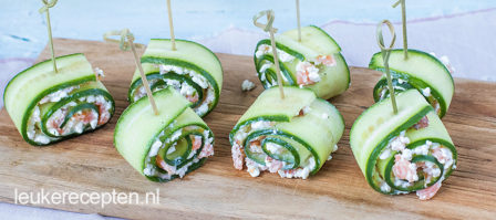 Komkommerrolletjes met zalm