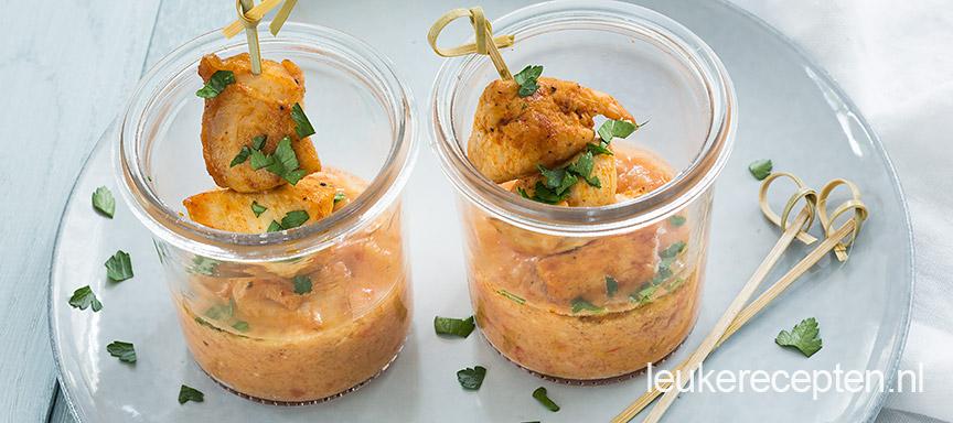 Kipspiesjes met gazpacho dip