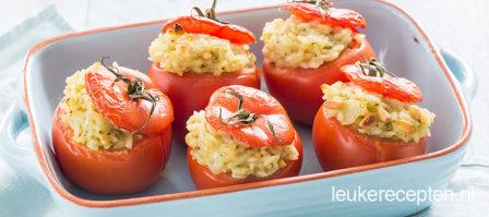 Gevulde tomaten met pesto risotto