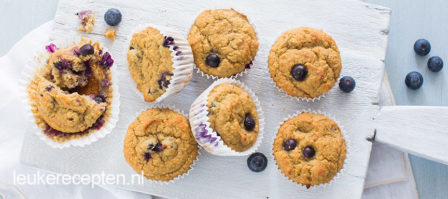 Bananenbrood muffins met blauwe bessen