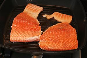 frisse-wraps-met-pulled-salmon-stap-1.jpg