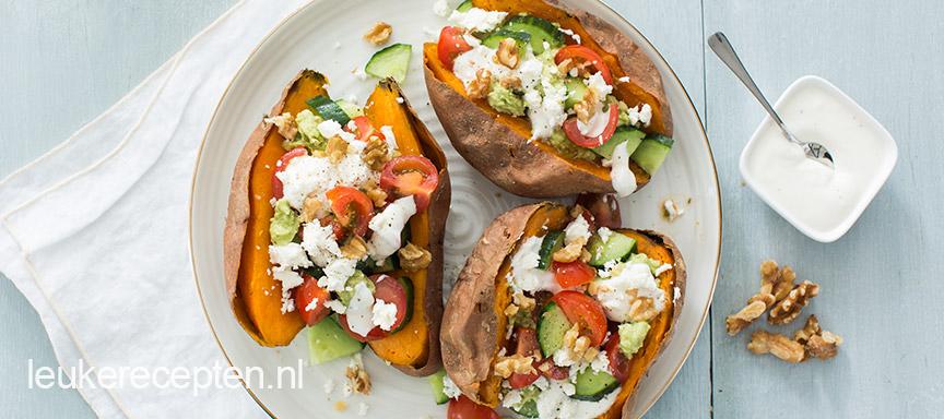 Grieks gevulde zoete aardappel