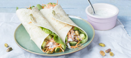 Frisse wraps met pulled salmon