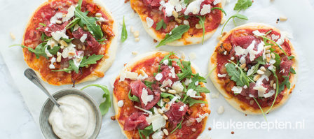 Mini pizza met carpaccio