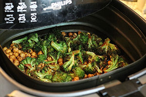 pitabroodjes-met-broccoli-en-kikkererwten-stap-2.jpg