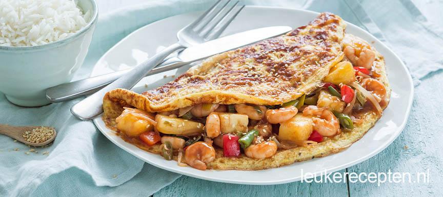 Zoet zure garnalen in omelet wrap
