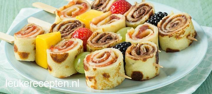 pannenkoekenspies met fruit www.leukerecepten.nl