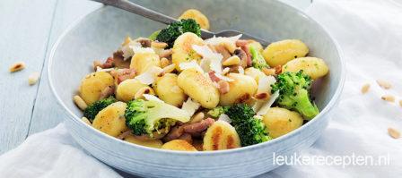 Gnocchi roerbak met broccoli