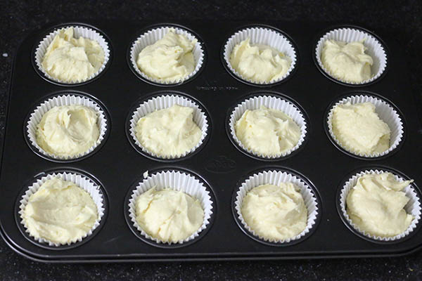 lemon_meringue_cupcakes_03.jpg