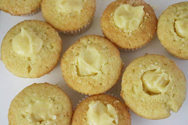 lemon_meringue_cupcakes_05.jpg
