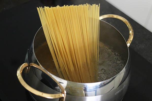 spaghetti_bolognese_02.jpg