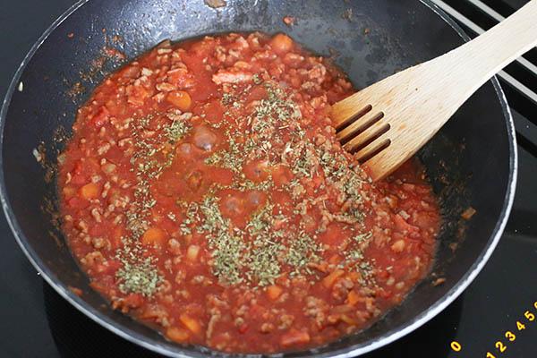 spaghetti_bolognese_04.jpg