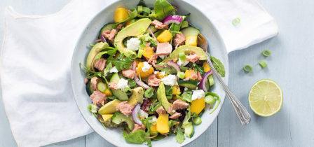 De perfecte zomer salade met tonijn en mango + winactie