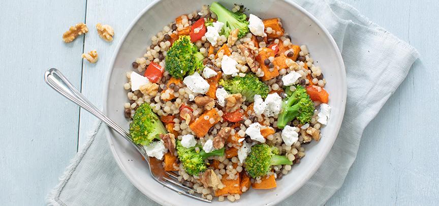 Couscous met broccoli en zoete aardappel