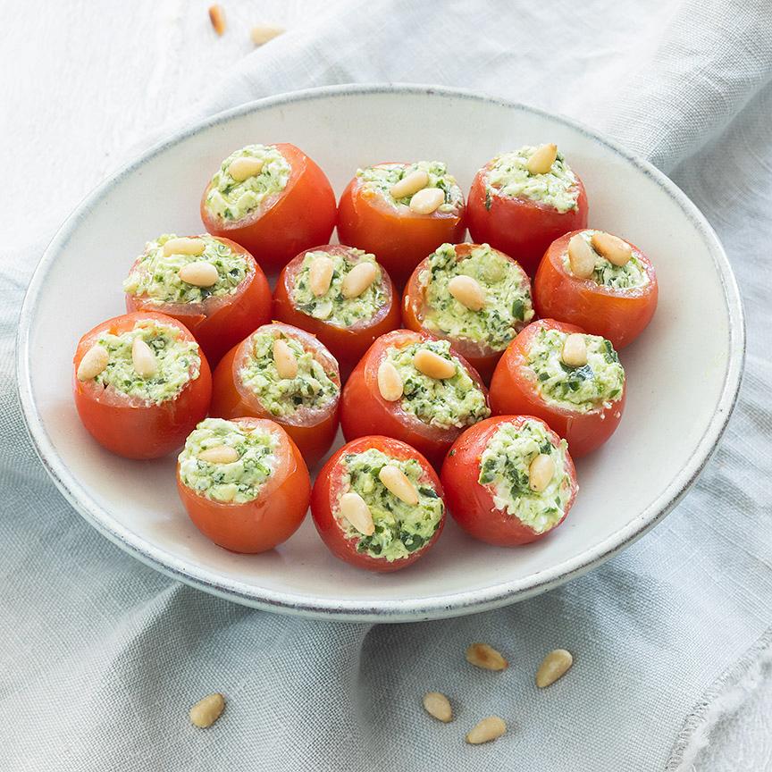 gevulde-tomaatjes-met-pesto_b