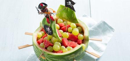 Hoe maak je een watermeloen piratenboot?