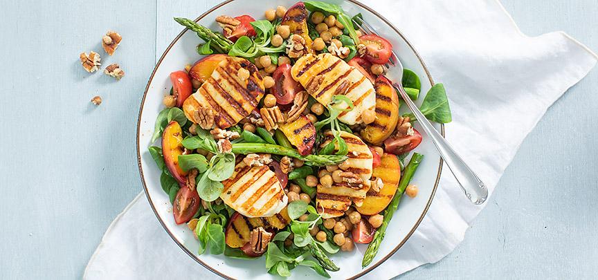 Halloumi salade met gegrilde perzik