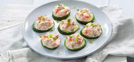 Komkommer hapjes met tonijnsalade