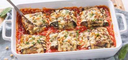 Gevulde aubergine pakketjes uit de oven
