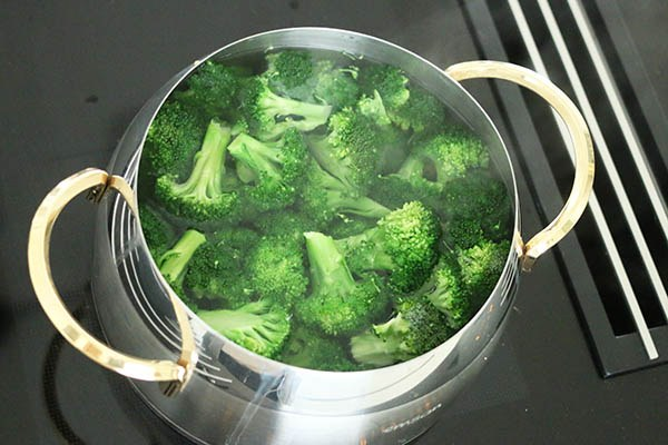 ovenschotel_broccoli_roomkaas_01.jpg