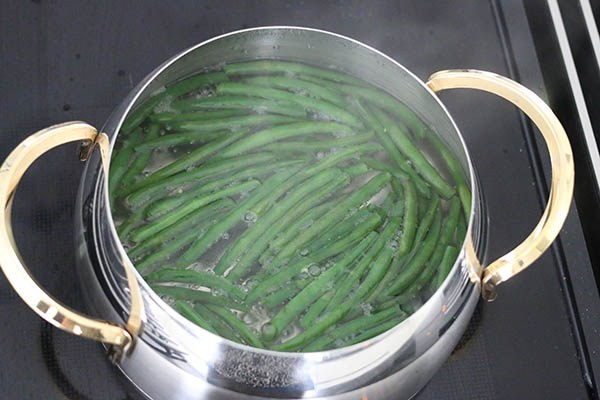 Salade_niçoise_01.jpg