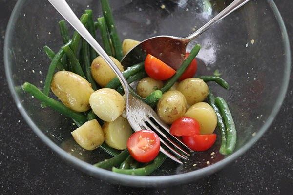 Salade_niçoise_03.jpg
