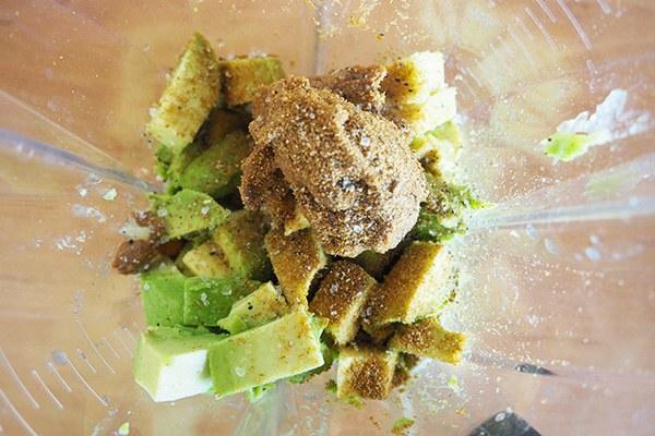 Avocado-hummus_02.jpg
