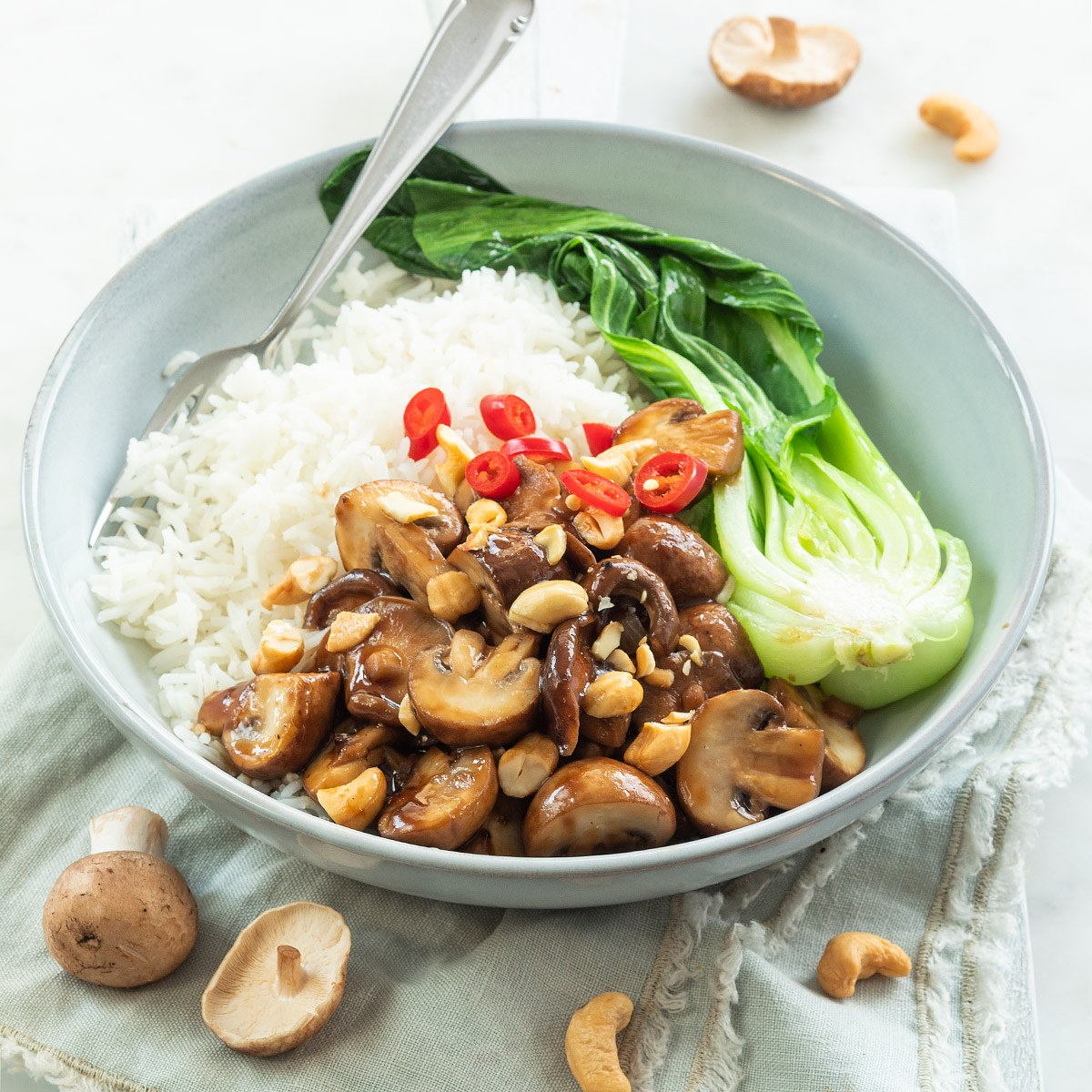 Sticky champignons met rijst