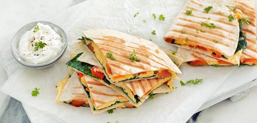 Ontbijt quesadilla's met roerei