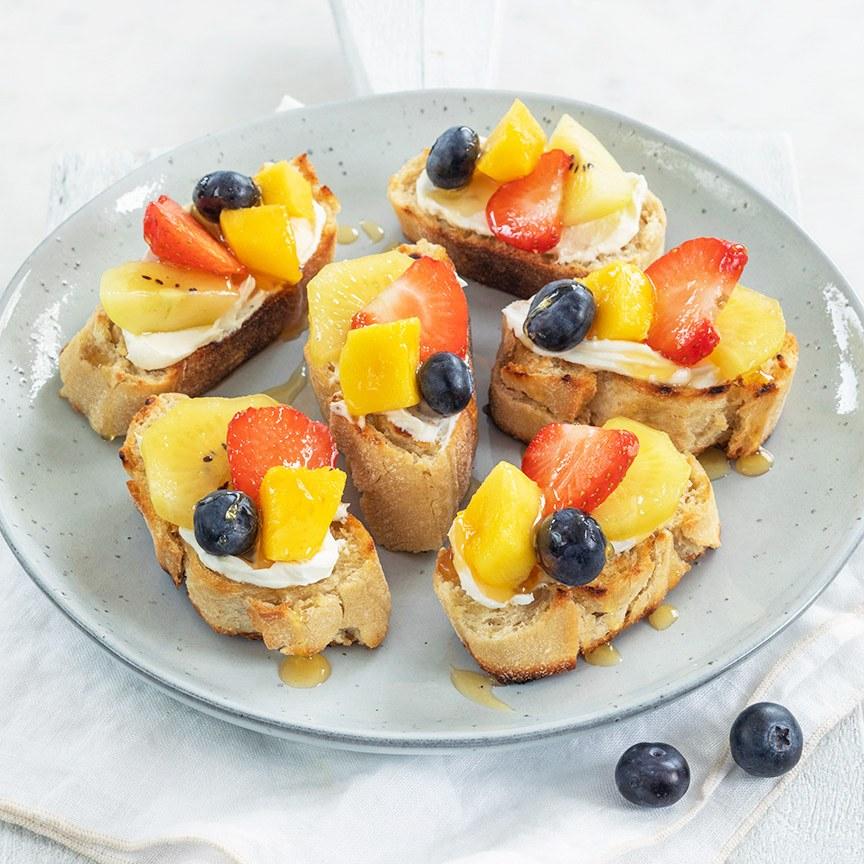 bruschetta-met-fruit