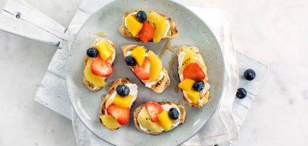 Bruschetta's met fruit