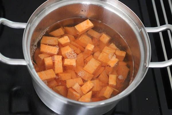 zoete_aardappel_salade_bbq_01.jpg